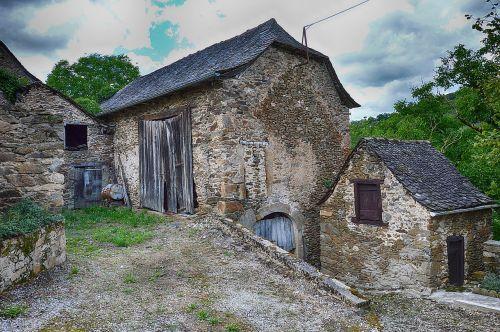 pierre,senas namas,senas kaimas,seni namai,buvęs,paveldas,senas pastatas,fasadas,france