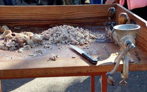 pig slaughtering  pork  feast