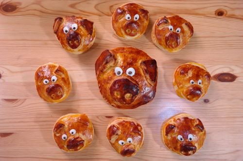 piglet pastries pig family