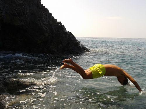 pike jump sea holiday