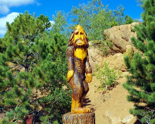 pikes peak bigfoot  bigfoot  statue
