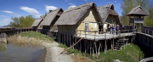 pile-dwelling settlements pile dwellings in unteruhldingen historical museumsgebäud