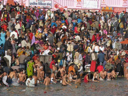 pilgrims hindu bath