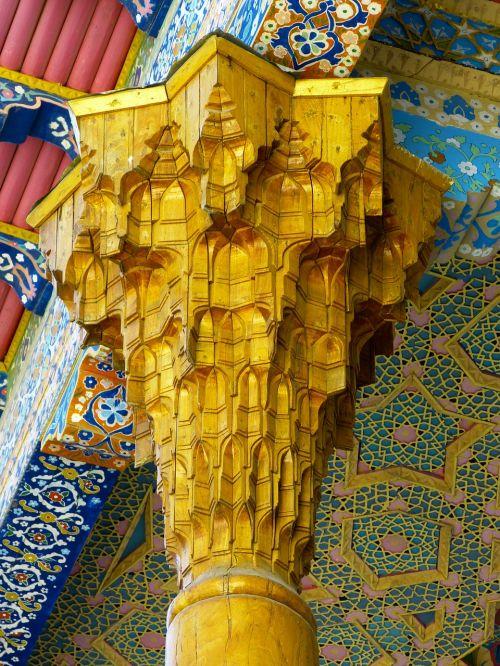 pillar wood carving