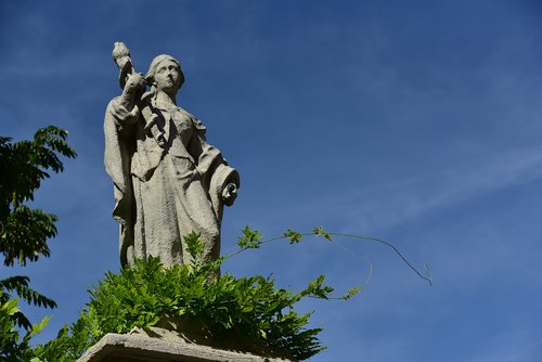 pillar statue  courtyard garden  augsburg