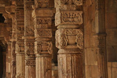 pillars temple carvings