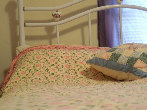 pillow bed bedroom