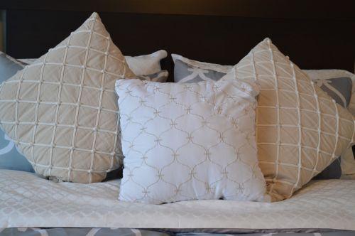 pillows bedding bed
