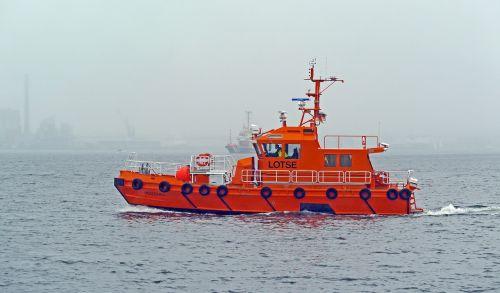 pilot boat fog kieler firth