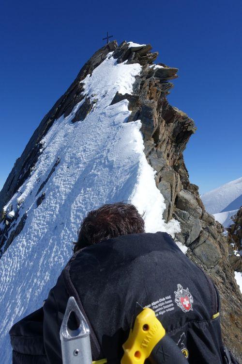 pin ragas,adatos kraigas,valais alpės,aukštybinių kalnų kelionė,swiss alpine club,aukščiausiojo lygio susitikimas,viršūnių susitikimas