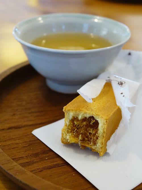 pineapple tart 黄梨酥挞 chinese tea