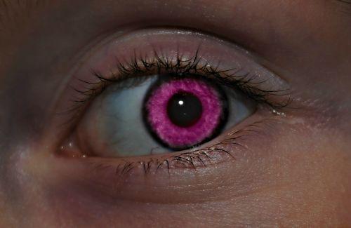 pink eye face