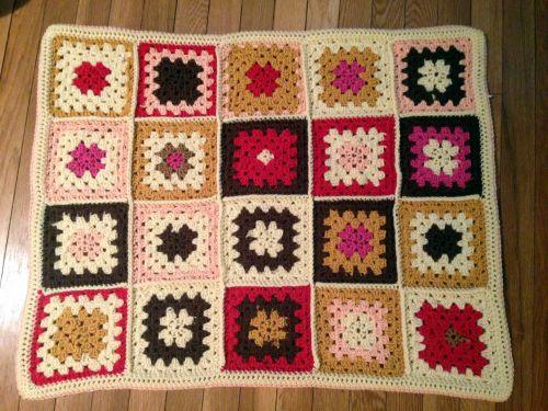 rožinis, grietinėlė, ruda, močiutė, kvadratas, antklodė, mesti, nėrimo, megzti, rožinė & amp, rudos Granny kvadratinės antklodė