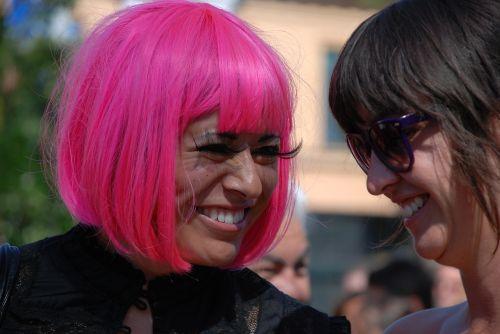 rožiniai plaukai,draugai,moterys,Draugystė