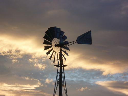 pinwheel abendstimmung clouds