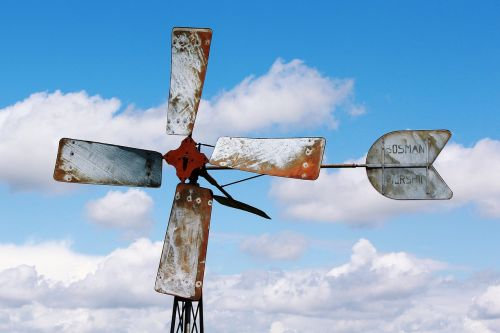 pinwheel propeller wind power