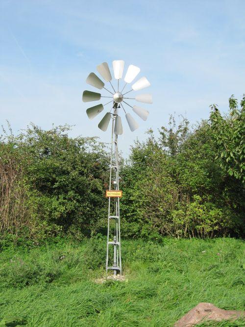 pinwheel wind power water pump