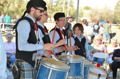 pipes drums drums scottish drums