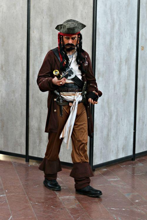 pirate jack sparrow actor
