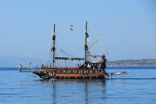 pirates sailing vessel ship