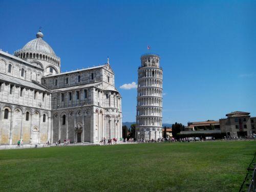 pisa torre piazza dei miracoli