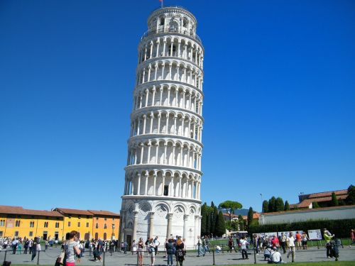 pisa leaning tower unintended tilt