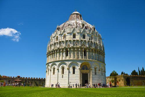 pisa church tuscany