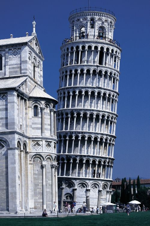 pisa dom leaning tower