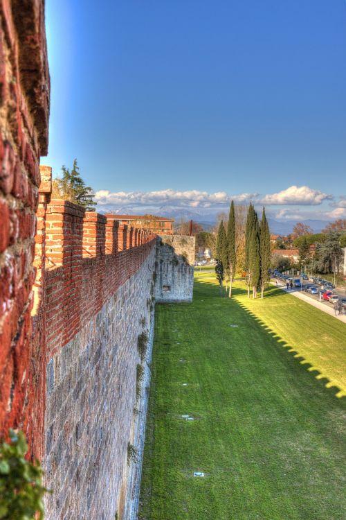 pisa walls tuscany