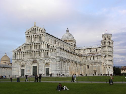 pisa tower inclined