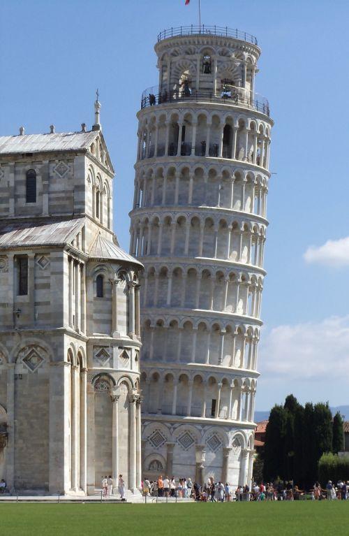 pisa italian leaning tower