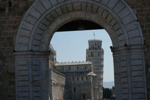 pisa tower italy