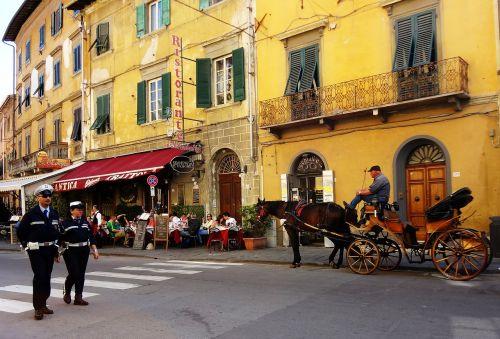 pisa italy streets