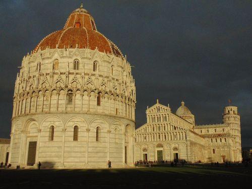 pisa tuscany monuments