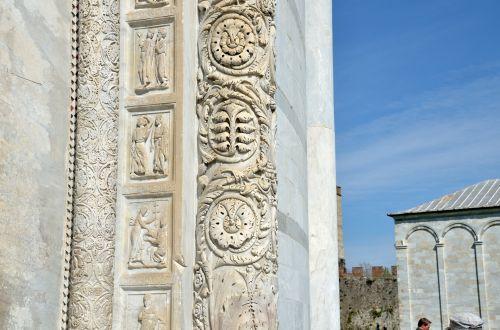 Pisa Baptistry, Detail