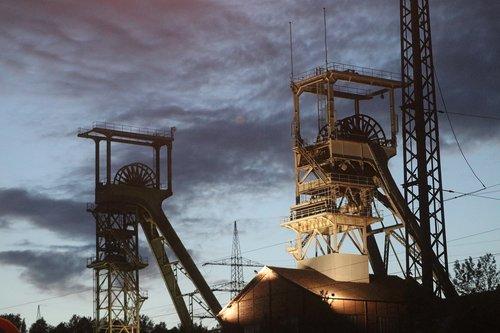 pit  mining  mineral