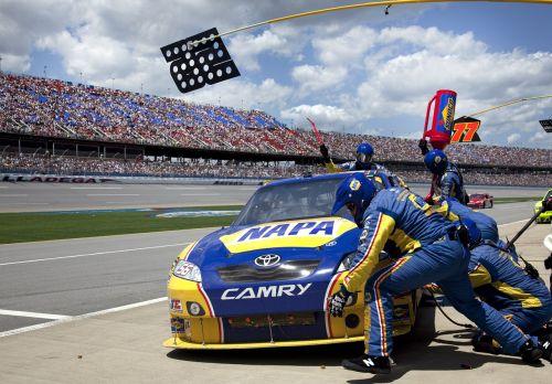 pit crew auto racing car