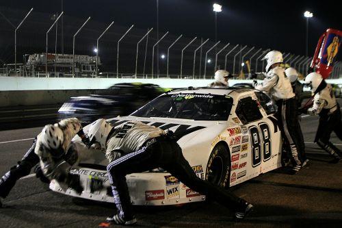 pit crew pit stop nascar