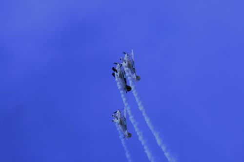 Pitts Special Formation Climb