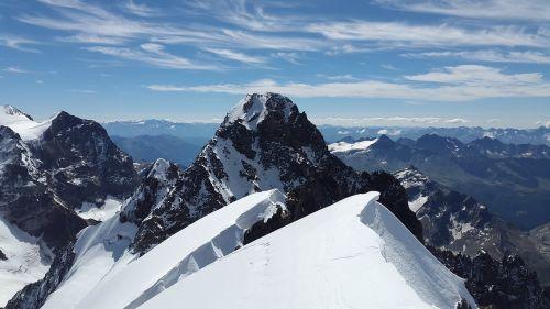 piz roseg high mountains bernina
