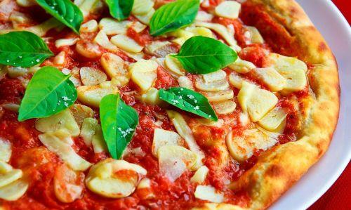 pizza basil garlic