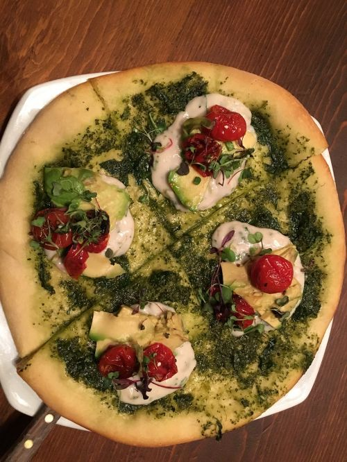 pizza goat cheese pesto