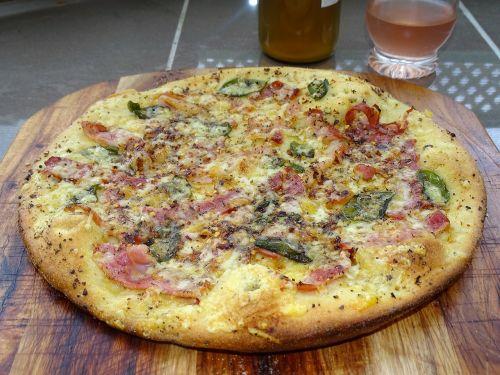 pica,gurmanams,pica bianca,prosciutto,speck,italy,malkos,malkinė pica,virimo,čili,žolelės,bazilikas,česnakai,sūris,alyvuogių aliejus