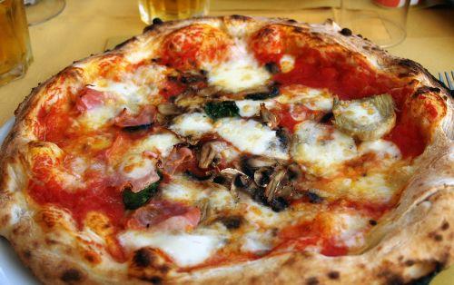 pizza funghi pizzas
