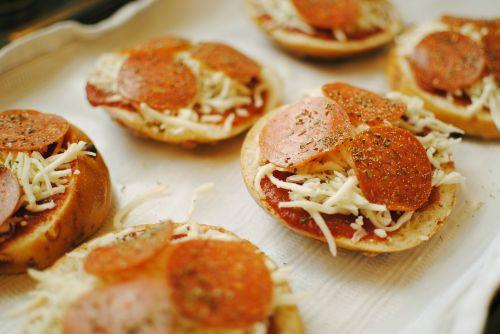 pizza pizza bagel bites homemade