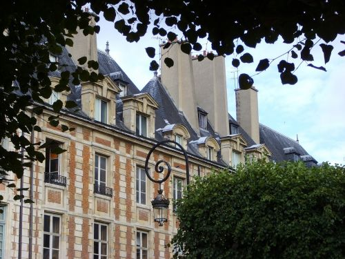 place des voges paris architecture