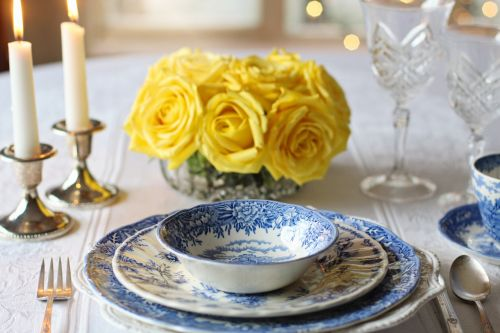 place setting dinner table setting
