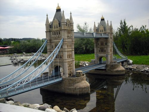 places of interest tower bridge miniatures