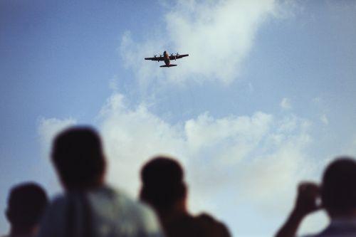 plane viewing airplane