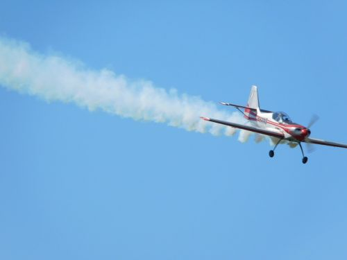 plane airplane wake